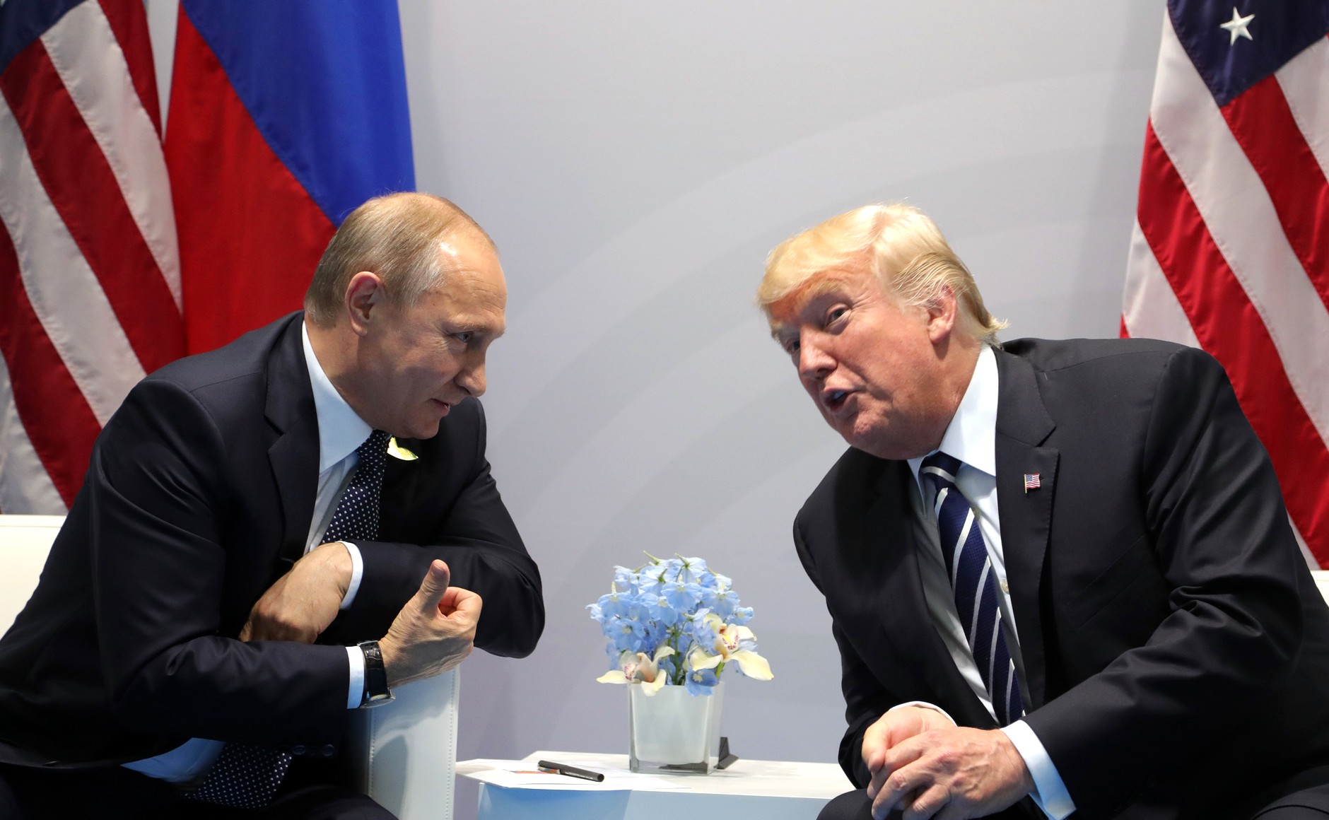 Vladimir_Putin_and_Donald_Trump_at_the_2017_G-20_Hamburg_Summit_(4)